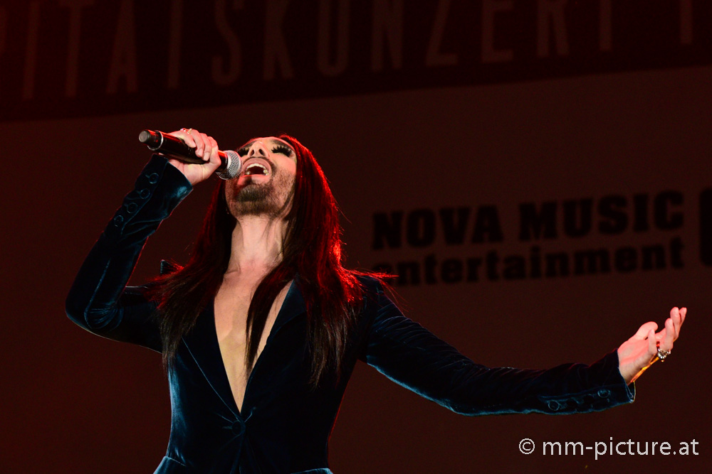 Voices for Refugees Vienna-Conchita © mm-picture.at